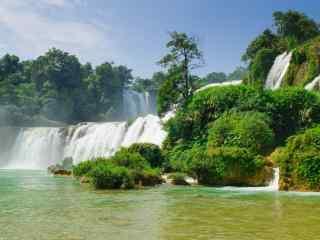 唯美秀丽的德天瀑布绿色风景护眼壁纸