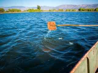 洱海划船水面风景图片桌面壁纸
