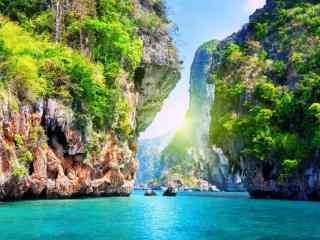 美丽的湖泊山谷风景图片