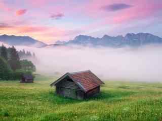 唯美的迷雾山谷风景图片