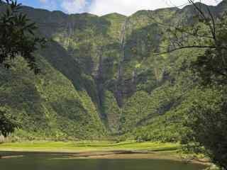 唯美的法国山谷风景图片