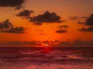 普吉岛唯美红色夕阳风景图高清桌面壁纸