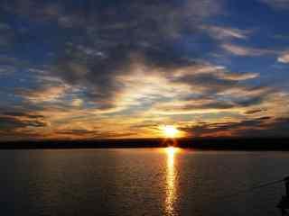 唯美的日月潭夕阳风景图片桌面壁纸