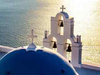 圣托里尼碧波粼粼风景图片高清桌面壁纸