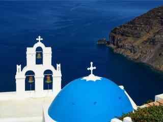 美丽的圣托里尼蓝顶教堂建筑风景图片桌面壁纸