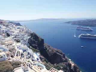 圣托里尼海上游轮图片高清桌面壁纸