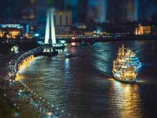 魔都上海外滩唯美夜景游轮图片桌面壁纸