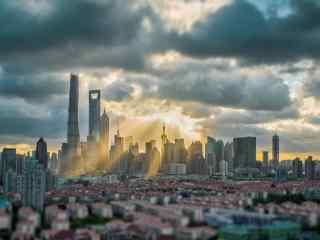 上海:穿透乌云的一抹阳光风景图片