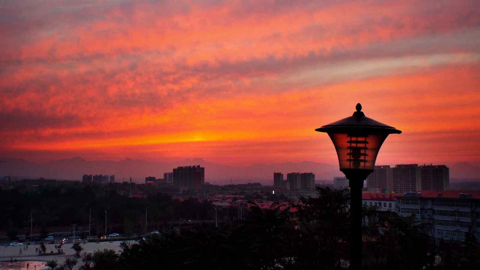 好看的城市晚霞风景图片