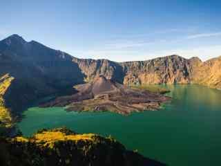林查尼火山风景图片