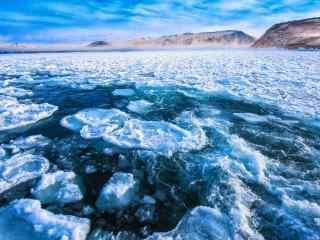 贝加尔湖冰封湖面图片