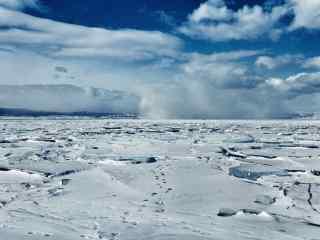 贝加尔湖冰封湖面图片桌面壁纸