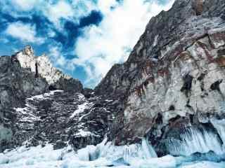 冬季贝加尔湖岩石图片高清桌面壁纸