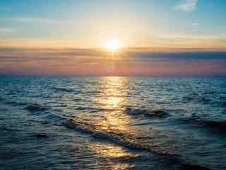 旭日东升的贝加尔湖唯美风景图片