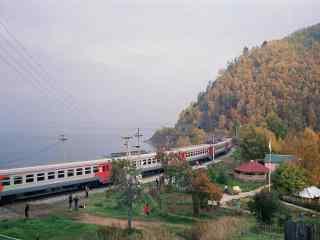 贝加尔湖火车图片高清桌面壁纸