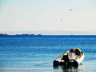 海边小清新汽艇图