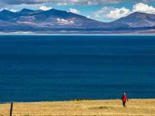 圣湖玛旁雍错碧蓝湖水高清护眼壁纸