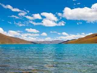西藏羊卓雍错碧蓝湖水风景图片