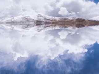 羊卓雍错唯美湖水倒影图片桌面壁纸