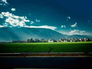 唯美草原上的曙光风景图片