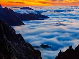 黄山美丽云雾上的