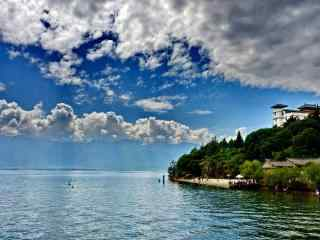 洱海蓝天白云唯美风景图片
