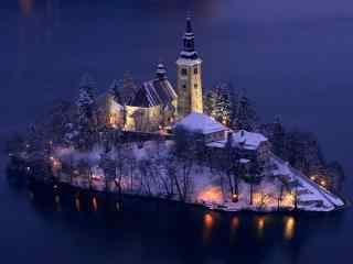 孤岛上的城堡唯美