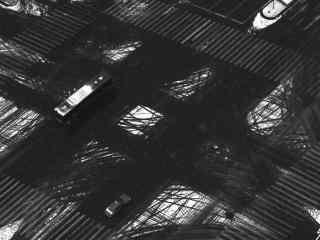 雪后街道充满车轴印桌面壁纸