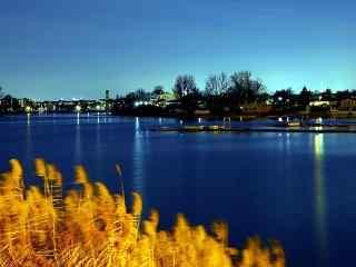 秋日里的多瑙河桌