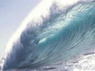 汹涌的海浪风景桌面壁纸