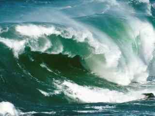壮观的海浪风景图片壁纸