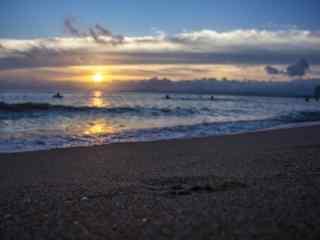清晨海边宁静沙滩