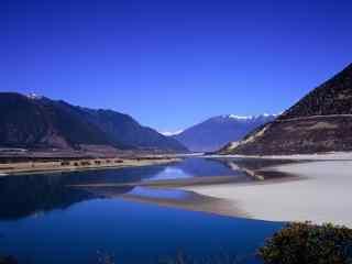 壮丽的雅鲁藏布江风景壁纸