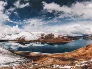 冬日里的羊卓雍错圣湖桌面壁纸