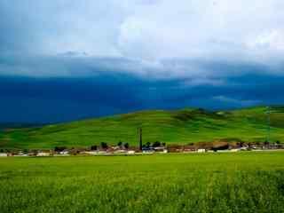 广袤无垠的绿色大草原桌面壁纸