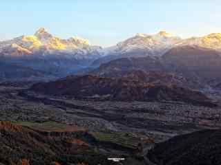 宏伟壮观的喜马拉雅山桌面壁纸