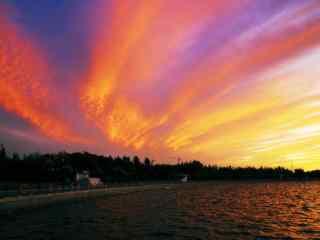 美丽晚霞之下的辽河风景壁纸