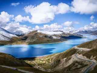 西藏圣湖羊卓雍错河流桌面壁纸