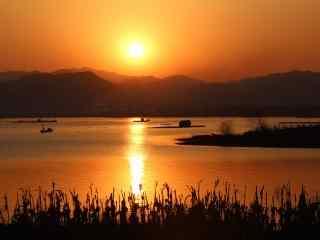 唯美夕阳下的汉江
