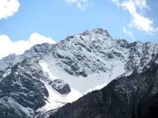 壮观的乔戈里峰雪山桌面壁纸