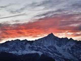 落日夕阳下的梅里雪山桌面壁纸