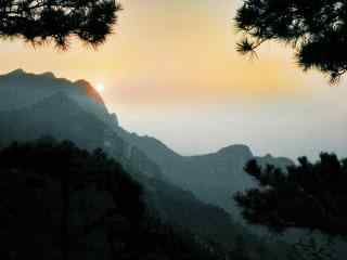 夕阳下泼墨山水庐山桌面壁纸