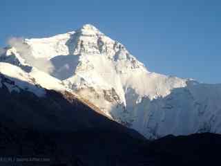 珠穆朗玛峰摄影图