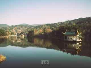 唯美好看的庐山如琴湖桌面壁纸