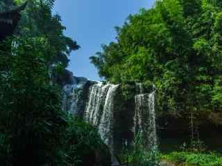 蜀南竹海山中瀑布桌面壁纸