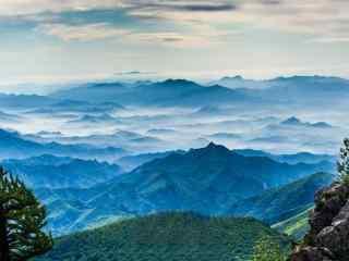 唯美的雾灵山风景壁纸
