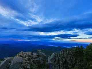 雾灵山之唯美蓝天风景壁纸