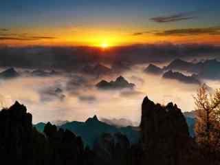 唯美的雾灵山日出风景壁纸