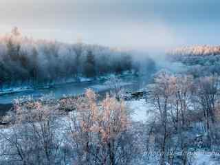 大雪中黑龙江河流桌面壁纸