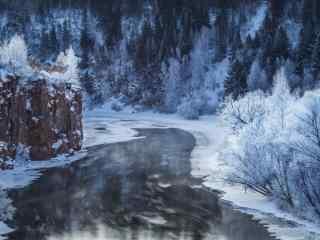大雪覆盖在黑龙江河流桌面壁纸